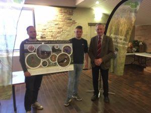 Collectief Agrarisch Natuurbeheer Oost-Brabant reikt eerste nieuwe infopaneel uit!